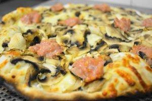 pizza salsiccia e funghi-mtpizza specialità TOP per gli amanti della pizza
